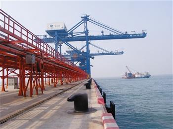 鲅鱼圈30万吨矿石码头钢桩阴极保护工程