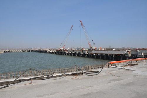 天津港南疆专业化矿石码头钢管桩防腐工程