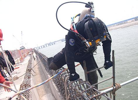 海南洋浦海事基地码头钢板桩牺牲阳极保护工程