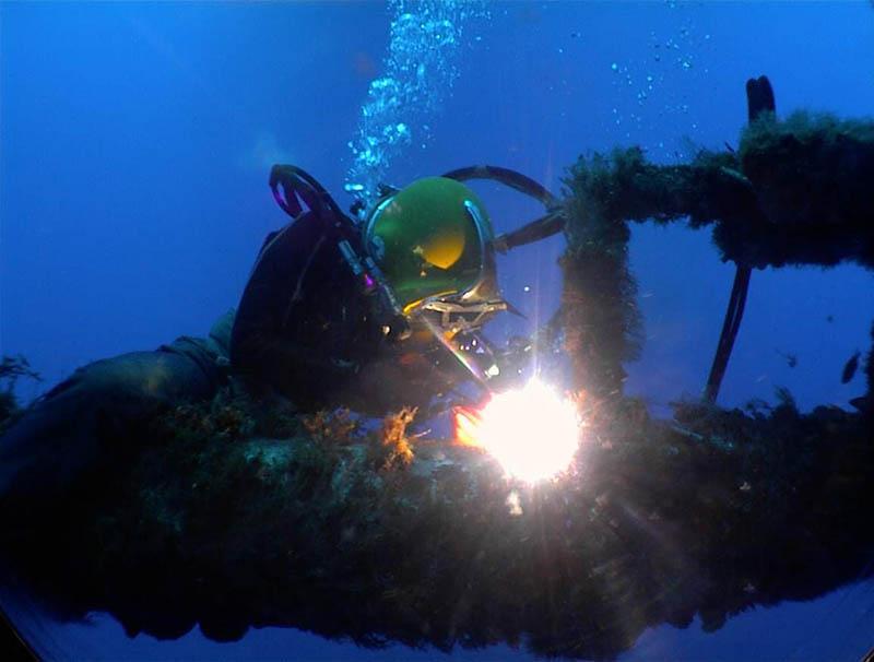 水下焊接施工 (5)
